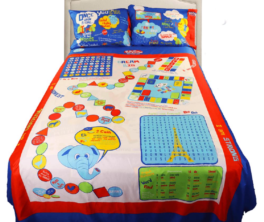 boysfullbed2pillows 800x675 - Para alegrar crianças em hospitais, pai cria lençóis com jogos