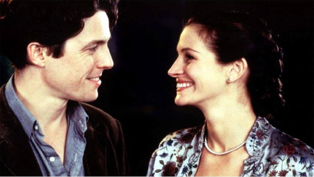 julia roberts e hugh grant em cena do filme um lugar chamado notting hill 1999 original - 6 filmes para assistir em dias chuvosos que você vai amar
