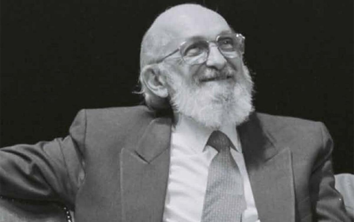 """180415 Freire2 - """"É preciso que a leitura seja um ato de amor."""" Conheça 15 frases importantes de Paulo Freire"""