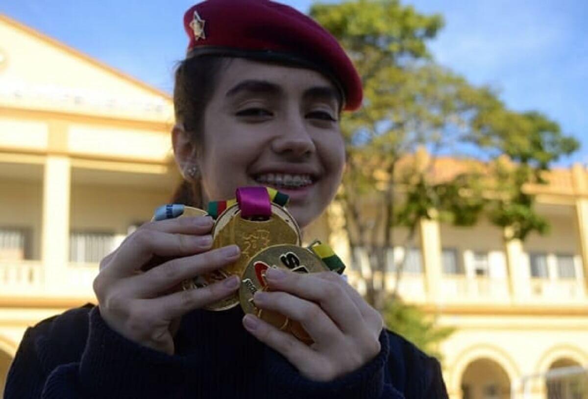 mariana egmo 3 - Com apenas 17 anos, brasileira leva ouro em Olimpíada Europeia de Matemática