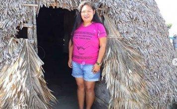 professora indigena toca close 356x220 - Inicio