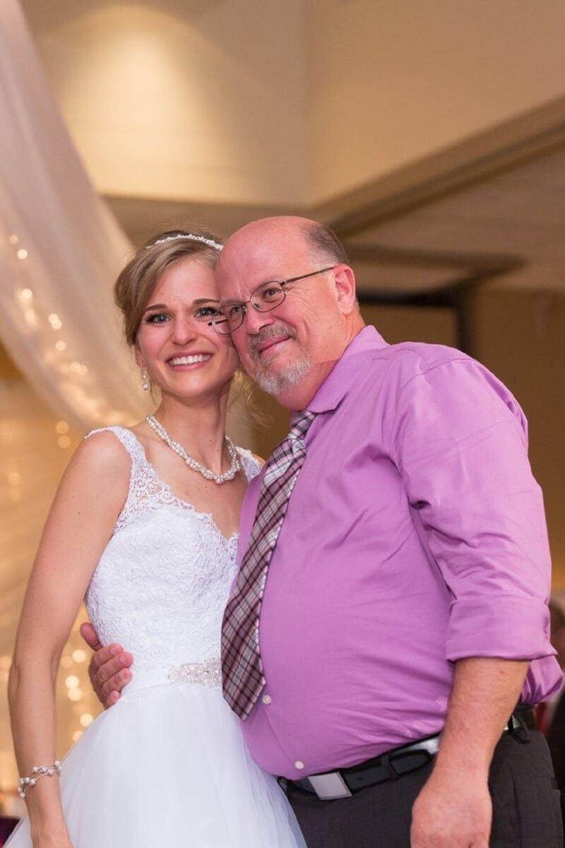 5631424a190000b100b9526b4091230571752586557 - Noiva dança valsa com doador que salvou sua vida da Leucemia!