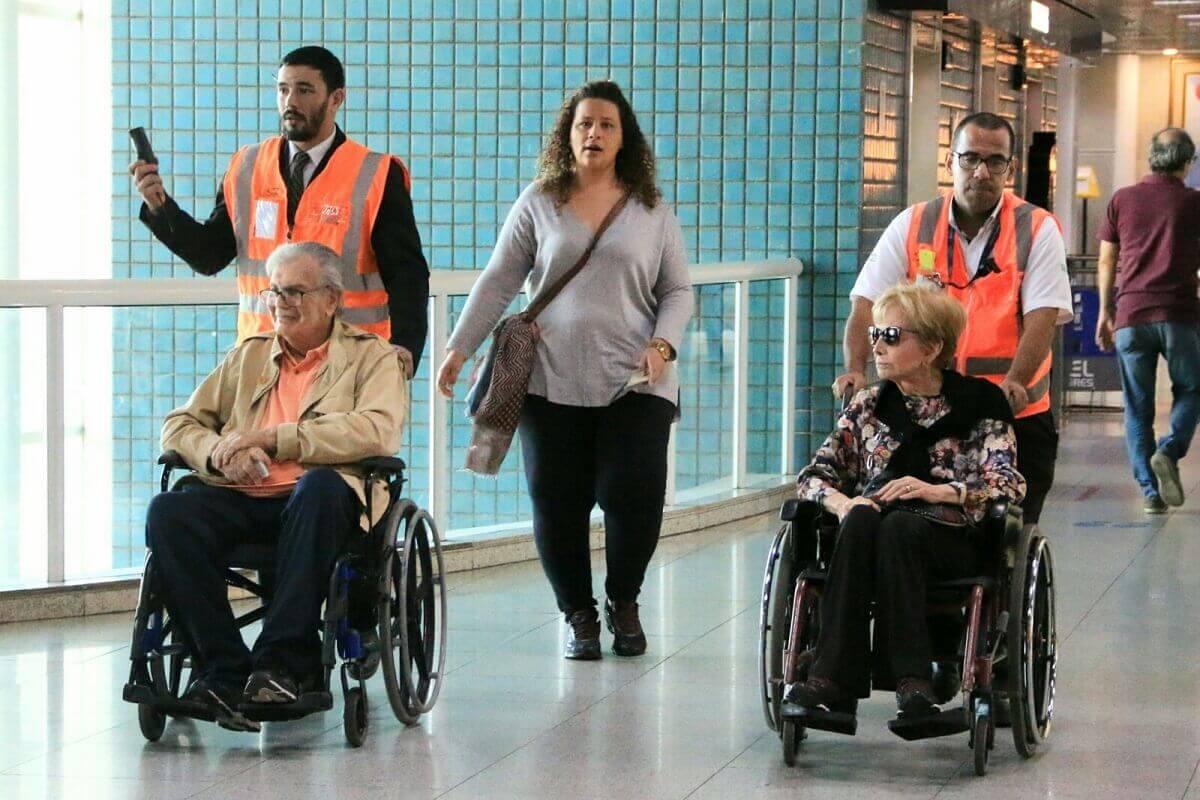Tarcisio Meira e Gloria Menezes 6 - Gloria e Tarcísio Meira são flagrados em cadeiras de rodas e fãs se comovem