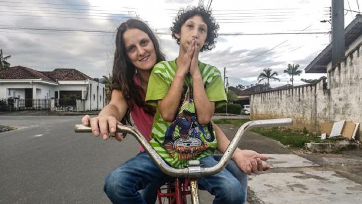 amor de mae e tudo essa mae pedala 5h todos os dias para acalmar o filho autista3 - Mãe pedala 5 horas por dia para acalmar o filho autista