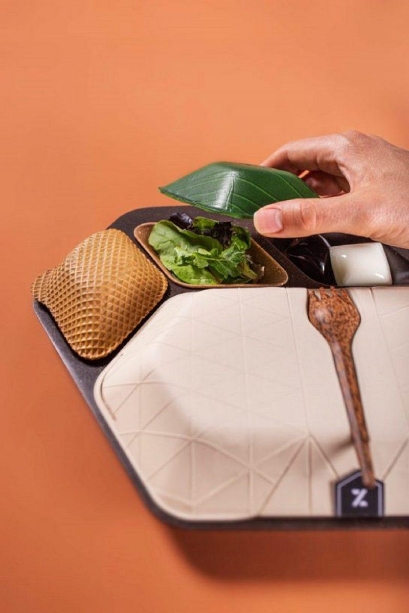 bio opakowania do samolotu whitemad8 768x1152 545x818 1 scaled - Embalagem 100% biodegradável feita de café, arroz e coco vem para brigar com o plástico