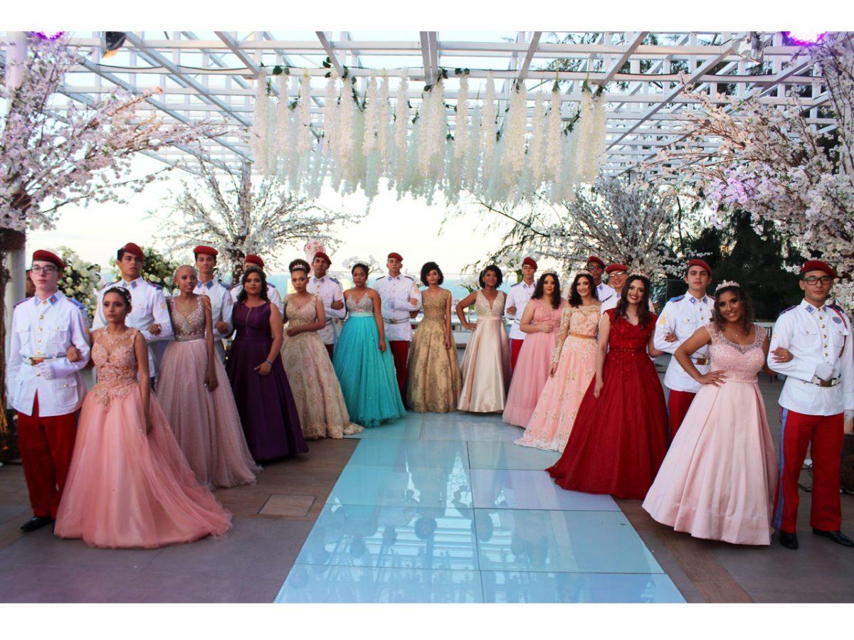 article scaled - Alunos de Colégio Militar conduzem valsa com meninas que lutam contra o câncer