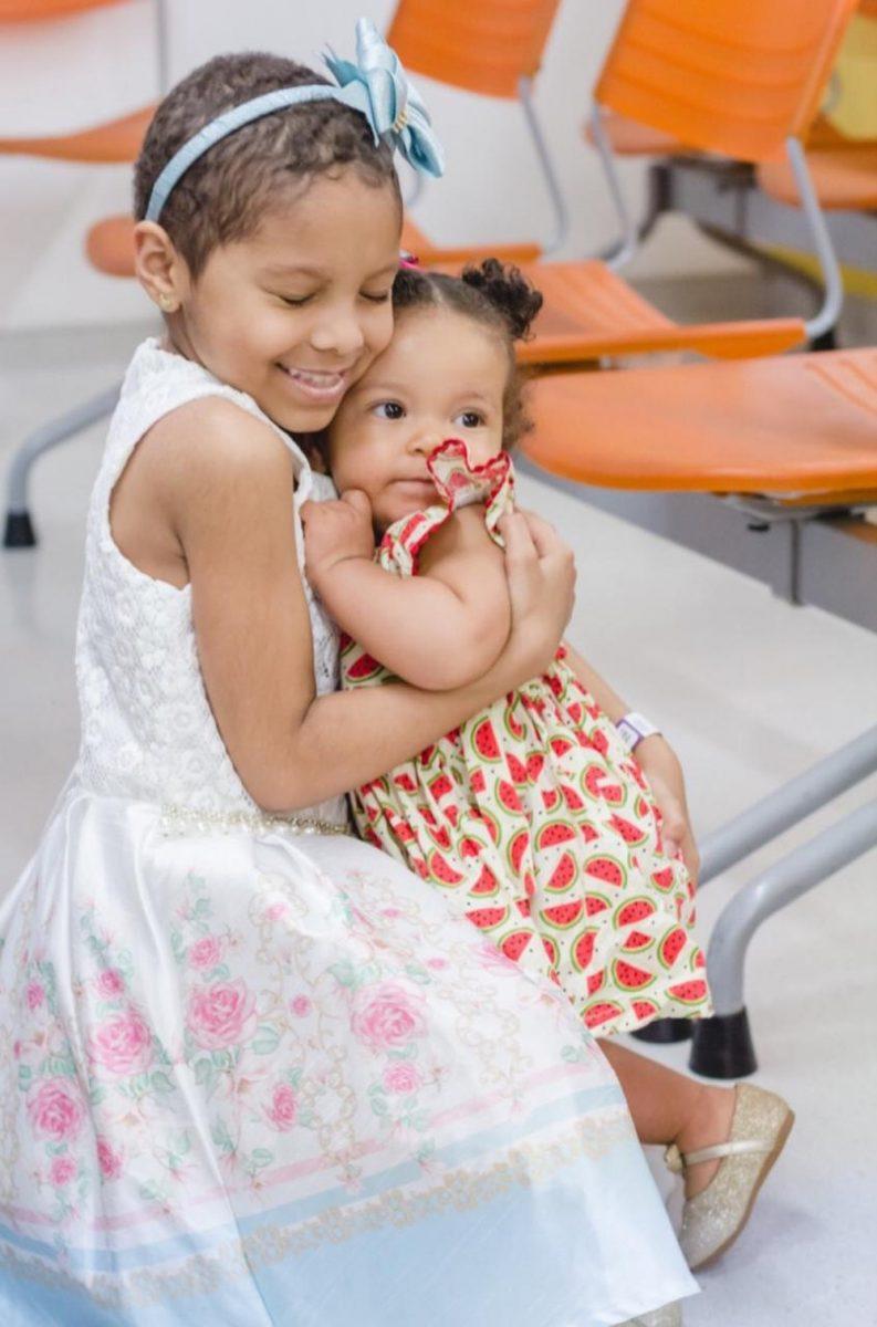 yasmin irma scaled - Menina com doença rara recebe transplante de medula da irmã de apenas 1 ano de idade
