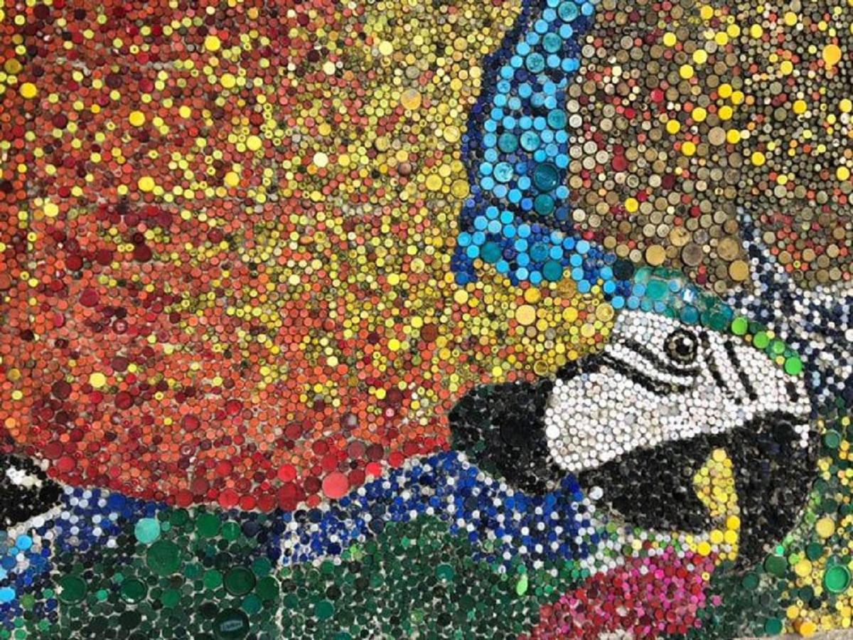 painel tampinha 3 - Artista venezuelano cria painel com mais de 150 mil tampinhas de plástico