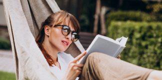 mulher lendo um livro jardim pela casa 1303 15564 324x160 - Inicio