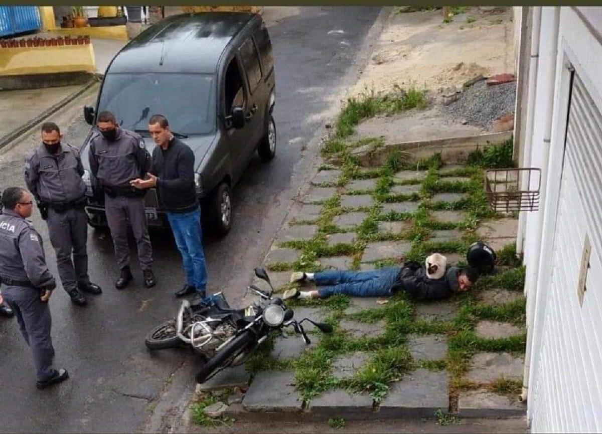 EkN1QteUwAQt5bW - 12 fotos de GATOS em situações hilárias para deixar seu dia mais alegre!